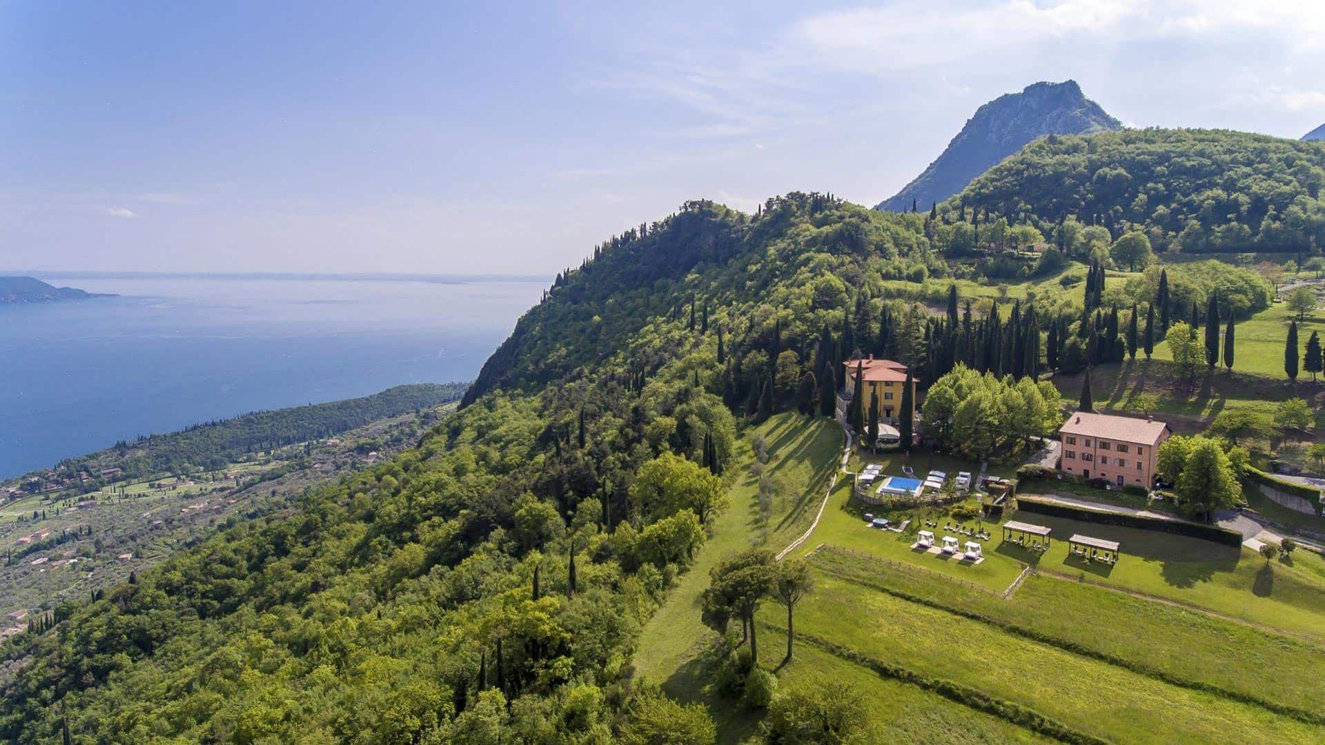Villa sostaga casa della tradizione sul lago di garda for Lago villa del conte